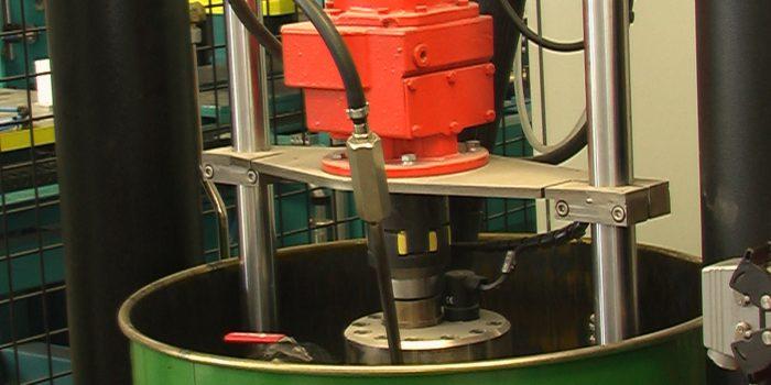 Bomba impulsora de adhesivo butyl en detalle