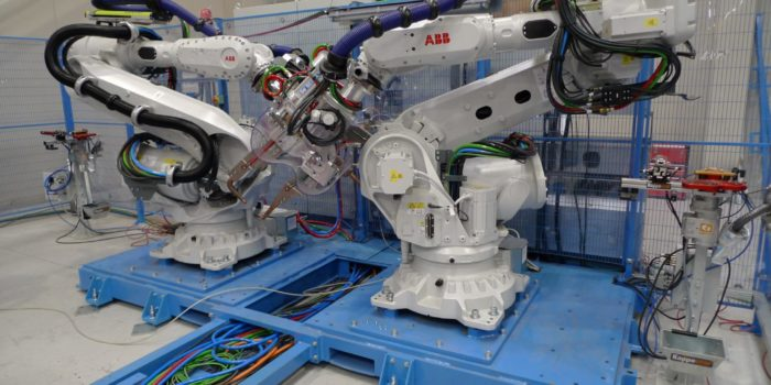 Vista robot en célula