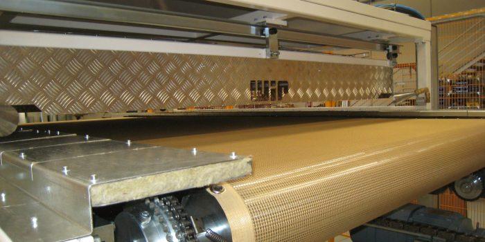 Transporte de Kevlar en estufa de termoformados