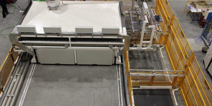 Maquina especial - Estufa movil de termoformados y cargador automatico