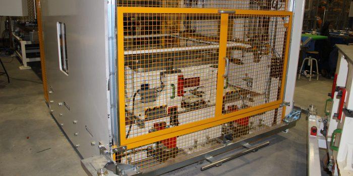 Cambio de utillajes en prensa de termoformado