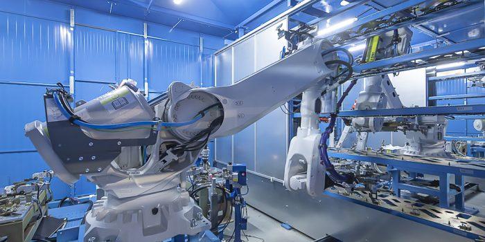 Robot manipulador en célula