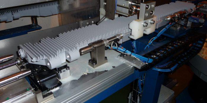 Manipulador aereo en maquina de mecanizado