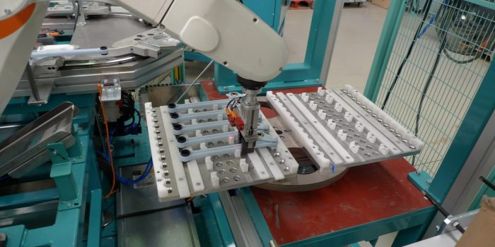 Shock absorbers in-line robotic output